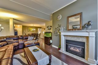 Photo 4: 408 5465 201 STREET in Langley: Langley City Condo for sale : MLS®# R2036400
