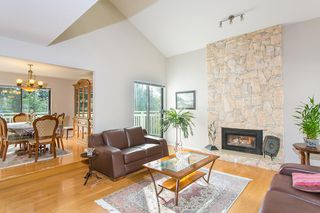 Photo 4: 5417 MOLINA CRESCENT in North Vancouver: Canyon Heights NV House for sale : MLS®# R2061256