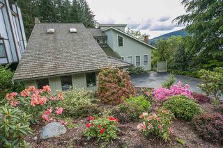 Photo 2: 5417 MOLINA CRESCENT in North Vancouver: Canyon Heights NV House for sale : MLS®# R2061256