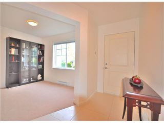 Photo 2: 64-688 Edgar Avenue in Coquitlam: Coquitlam West Townhouse for sale : MLS®# v1129524