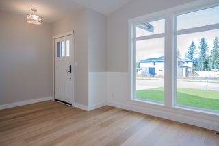Photo 3: 2240 Southeast 15 Avenue in Salmon Arm: HILLCREST HEIGHTS House for sale (SE Salmon Arm)  : MLS®# 10158069