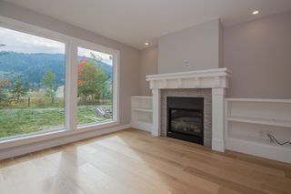 Photo 12: 2240 Southeast 15 Avenue in Salmon Arm: HILLCREST HEIGHTS House for sale (SE Salmon Arm)  : MLS®# 10158069