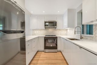 Photo 2: 313 555 ABBOTT STREET in Vancouver: Downtown VW Condo for sale (Vancouver West)  : MLS®# R2305372