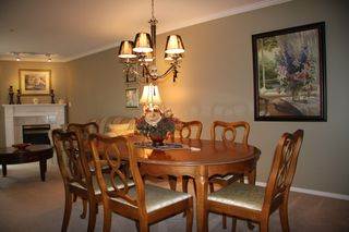 Photo 9: 210 2626 Countess Place in Abbotsford: Condo for sale : MLS®# R2360514