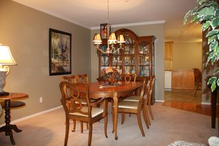 Photo 8: 210 2626 Countess Place in Abbotsford: Condo for sale : MLS®# R2360514