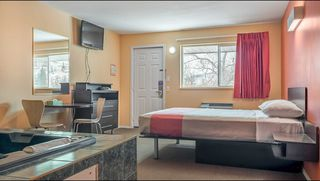 Photo 4: Hotel/Motel with property in Cache Creek, BC in Cache Creek: Business with Property for sale