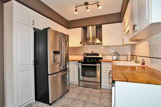 Photo 3: 2020 Blue Jay Blvd in : 1022 - WT West Oak Trails FRH for sale (Oakville)  : MLS®# OM2036050