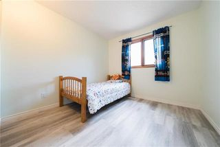 Photo 11: 122 Wallingford Crescent in Winnipeg: Linden Woods Residential for sale (1M)  : MLS®# 1922220