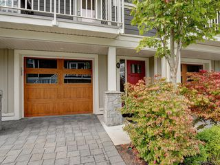 Photo 2: 6 3356 Whittier Ave in VICTORIA: SW Rudd Park Row/Townhouse for sale (Saanich West)  : MLS®# 824505
