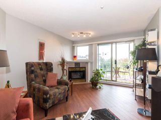 "Photo 5: 406 74 RICHMOND Street in New Westminster: Fraserview NW Condo for sale in ""Governors Court"" : MLS®# R2407457"