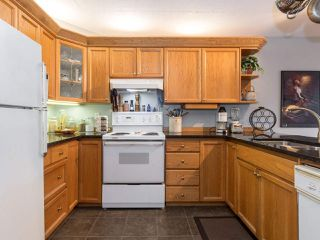 "Photo 13: 406 74 RICHMOND Street in New Westminster: Fraserview NW Condo for sale in ""Governors Court"" : MLS®# R2407457"