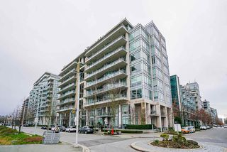 "Main Photo: 308 1633 ONTARIO Street in Vancouver: False Creek Condo for sale in ""Kayak - The Village on False Creek"" (Vancouver West)  : MLS®# R2426831"
