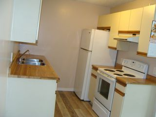 Photo 3: 108 10136 160 Street in Edmonton: Zone 21 Condo for sale : MLS®# E4197432