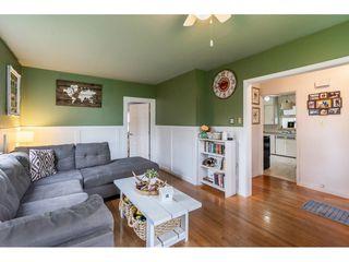 Photo 4: 41949 KIRK Avenue: Yarrow House for sale : MLS®# R2460160