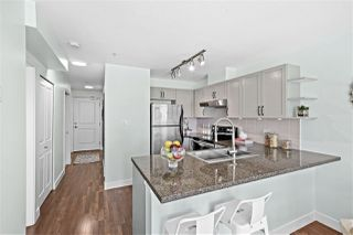 "Photo 9: 309 2008 BAYSWATER Street in Vancouver: Kitsilano Condo for sale in ""Black Swan"" (Vancouver West)  : MLS®# R2492765"