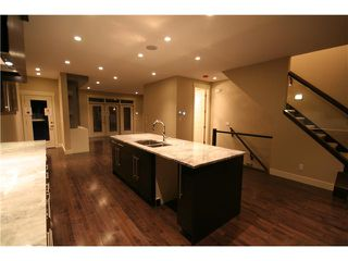 Photo 5: 2231 28 Avenue SW in CALGARY: Richmond Park Knobhl Residential Attached for sale (Calgary)  : MLS®# C3508608