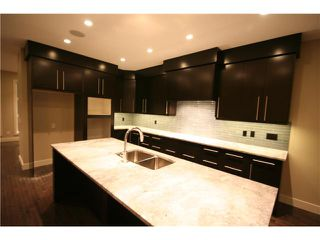 Photo 3: 2231 28 Avenue SW in CALGARY: Richmond Park Knobhl Residential Attached for sale (Calgary)  : MLS®# C3508608