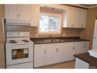 Photo 3: 1706 2nd Avenue North in Saskatoon: Kelsey/Woodlawn Single Family Dwelling for sale (Saskatoon Area 03)  : MLS®# 448794