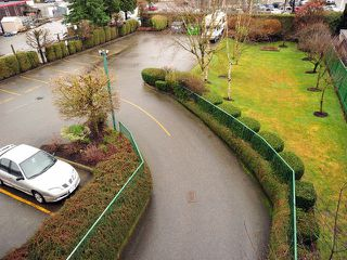 "Photo 8: 311 32044 OLD YALE Road in Abbotsford: Abbotsford West Condo for sale in ""GREEN GABLES"" : MLS®# F1302366"