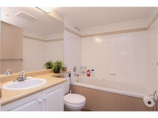 "Photo 7: 301 22233 RIVER Road in Maple Ridge: West Central Condo for sale in ""RIVER GARDENS"" : MLS®# V988700"