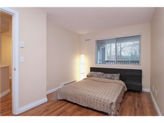 "Photo 8: 301 22233 RIVER Road in Maple Ridge: West Central Condo for sale in ""RIVER GARDENS"" : MLS®# V988700"