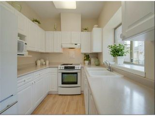 "Photo 3: 1534 BEST Street: White Rock Townhouse for sale in ""The Courtyards"" (South Surrey White Rock)  : MLS®# F1316341"