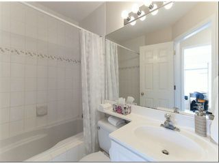 "Photo 18: 1534 BEST Street: White Rock Townhouse for sale in ""The Courtyards"" (South Surrey White Rock)  : MLS®# F1316341"