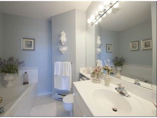 "Photo 16: 1534 BEST Street: White Rock Townhouse for sale in ""The Courtyards"" (South Surrey White Rock)  : MLS®# F1316341"