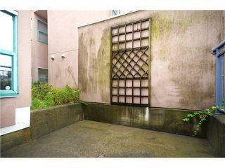Photo 12: # 1B 2433 E 10TH AV in Vancouver: Renfrew VE Townhouse for sale (Vancouver East)  : MLS®# V1026968