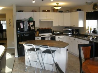 Photo 3: 56-1760 Copperhead Drive in Kamloops: Pineview Townhouse for sale : MLS®# 120349