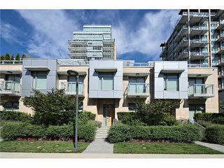 "Photo 2: 104 5838 BERTON Avenue in Vancouver: University VW Townhouse for sale in ""THE WESBROOK"" (Vancouver West)  : MLS®# V1078429"
