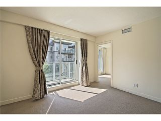 "Photo 9: 104 5838 BERTON Avenue in Vancouver: University VW Townhouse for sale in ""THE WESBROOK"" (Vancouver West)  : MLS®# V1078429"