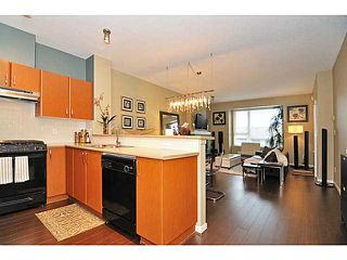 Photo 4: 407 4723 Dawson Street in Burnaby: Brentwood Park Condo for sale (Burnaby North)  : MLS®# V993827
