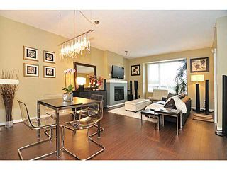 Photo 2: 407 4723 Dawson Street in Burnaby: Brentwood Park Condo for sale (Burnaby North)  : MLS®# V993827