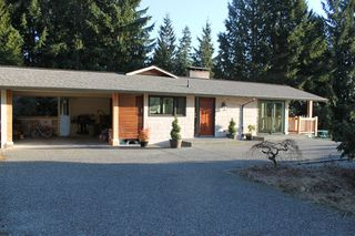 Photo 2: 4875 Skyline Drive in North Vancouver: Canyon Heights NV Home for sale : MLS®# V1098965