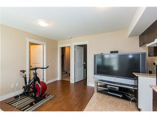 Photo 15: 1500 SIXTH AV in New Westminster: Uptown NW House 1/2 Duplex for sale : MLS®# V1132853