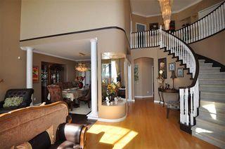 Photo 2: Coquitlam: Condo for sale : MLS®# R2052747