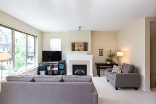 Photo 3: 174 3105 DAYANEE SPRINGS BOULEVARD in Coquitlam: Westwood Plateau Townhouse for sale : MLS®# R2079233