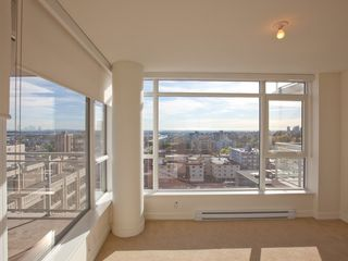 Photo 9: 1403 608 BELMONT STREET in New Westminster: Uptown NW Condo for sale : MLS®# R2149699