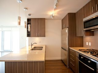 Photo 7: 1403 608 BELMONT STREET in New Westminster: Uptown NW Condo for sale : MLS®# R2149699
