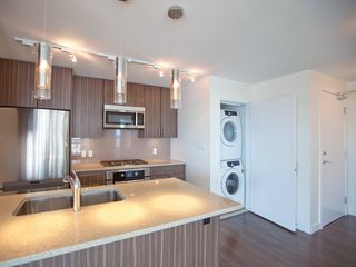 Photo 6: 1403 608 BELMONT STREET in New Westminster: Uptown NW Condo for sale : MLS®# R2149699