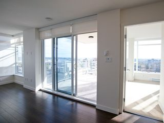 Photo 3: 1403 608 BELMONT STREET in New Westminster: Uptown NW Condo for sale : MLS®# R2149699