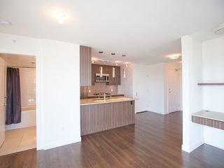 Photo 8: 1403 608 BELMONT STREET in New Westminster: Uptown NW Condo for sale : MLS®# R2149699