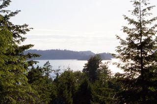 Main Photo: 826 Captain's Way in Bowen Island: King Edward Bay Home for sale