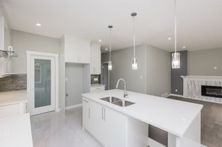 Photo 5: 17219 60 Street in Edmonton: Zone 03 House for sale : MLS®# E4167920