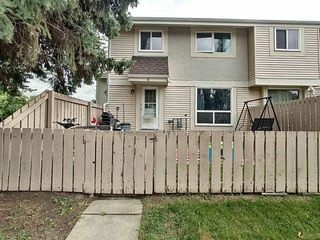 Photo 2: 8 Athabasca Acres: Devon Townhouse for sale : MLS®# E4170705