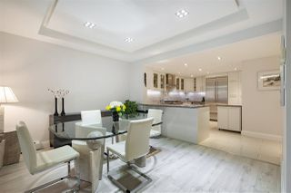 """Photo 7: 202 1111 MARINASIDE Crescent in Vancouver: Yaletown Condo for sale in """"AQUARIUS"""" (Vancouver West)  : MLS®# R2429673"""