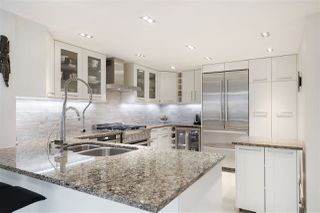 """Photo 2: 202 1111 MARINASIDE Crescent in Vancouver: Yaletown Condo for sale in """"AQUARIUS"""" (Vancouver West)  : MLS®# R2429673"""