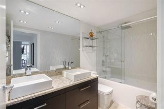 """Photo 14: 202 1111 MARINASIDE Crescent in Vancouver: Yaletown Condo for sale in """"AQUARIUS"""" (Vancouver West)  : MLS®# R2429673"""