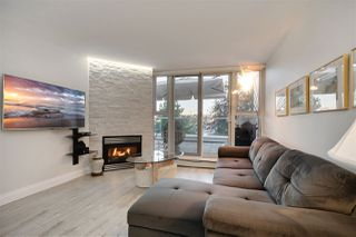 """Photo 10: 202 1111 MARINASIDE Crescent in Vancouver: Yaletown Condo for sale in """"AQUARIUS"""" (Vancouver West)  : MLS®# R2429673"""